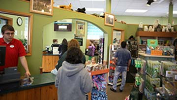 People shopping in ZooAmerica Gift Shop